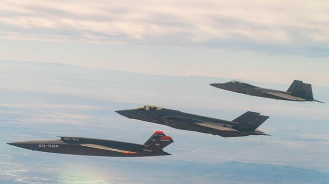 Kratos XQ-58 Valkyrie UAS completes Formation Flight with F-22 Raptor and F-35